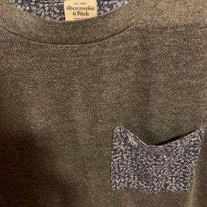 Abercrombie & Fitch Shirts - Abercrombie gray muscle tee with decorative pocket